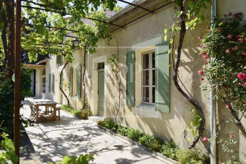 Luxury House for rent SAINT REMY DE PROVENCE, 280 m², 4 Bedrooms,