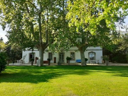 Luxury Property for sale ARLES, 900 m², 15 Bedrooms, € 3 900 000
