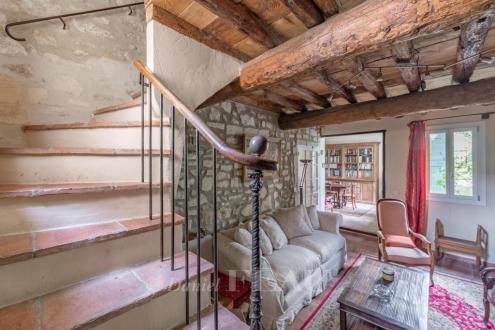 Maison de luxe à vendre FONTVIEILLE, 188 m², 3 Chambres, 645000€