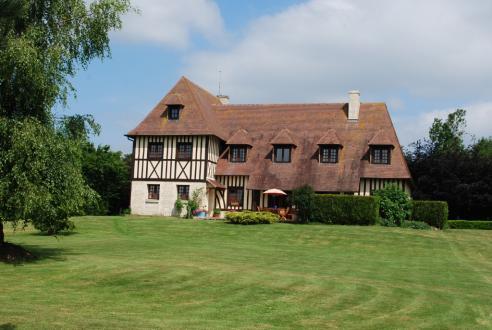 Luxus-Schloss / Herrenhaus zu verkaufen LIVAROT, 255 m², 6 Schlafzimmer, 580000€