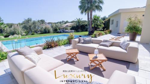 Maison de luxe à vendre MOUANS SARTOUX, 350 m², 8 Chambres, 2950000€