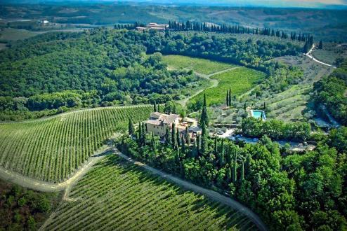 Villa de luxe à vendre SAN GIMIGNANO, 1934 m², 31 Chambres, 3950000€