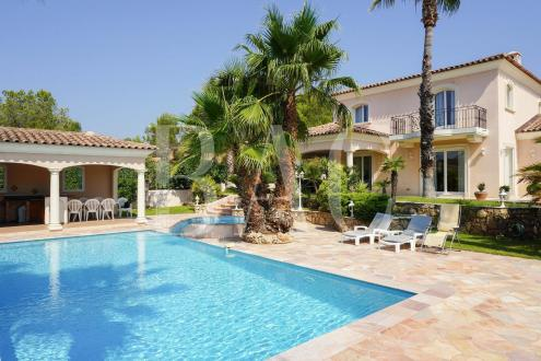 Villa de luxe à vendre SAINT RAPHAEL, 210 m², 4 Chambres, 1410000€