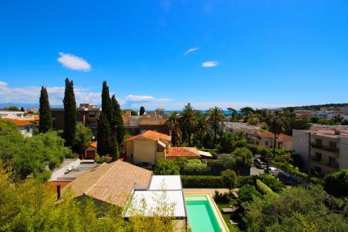 Villa de luxe à vendre ANTIBES, 250 m², 6 Chambres, 2500000€