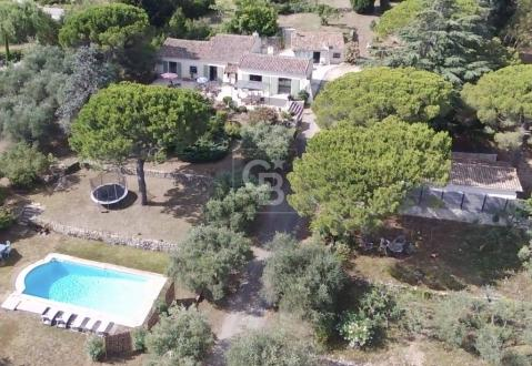 Maison de luxe à vendre MOUANS SARTOUX, 160 m², 5 Chambres, 1780000€
