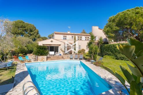 Luxury House for rent CAP D'ANTIBES, 300 m², 5 Bedrooms,