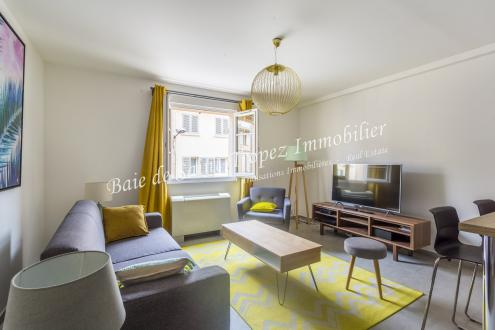 Квартира класса люкс в аренду Сен-Тропе, 75 м², 2 Спальни,