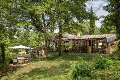 Farm класса люкс на продажу  Руссийон, 165 м², 3 Спальни, 980000€