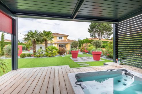 Maison de luxe à vendre CHASSELAY, 190 m², 4 Chambres, 940000€