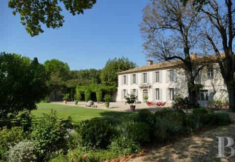 Luxus-Haus zu verkaufen ARLES, 337 m², 8 Schlafzimmer, 1950000€