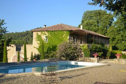 Farm класса люкс на продажу  Сеньон, 365 м², 9 Спальни, 1495000€
