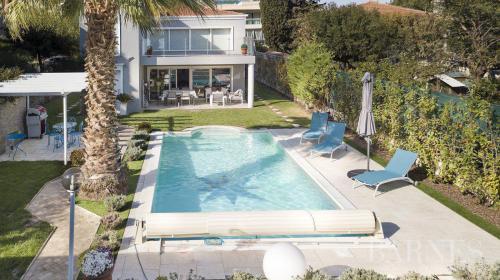 Maison de luxe à louer VALLAURIS, 180 m², 3 Chambres,