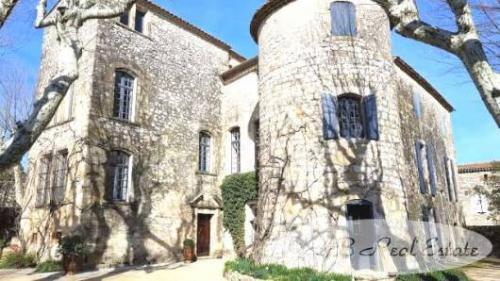 Château / Manoir de luxe à vendre UZES, 450 m², 7 Chambres, 1970000€