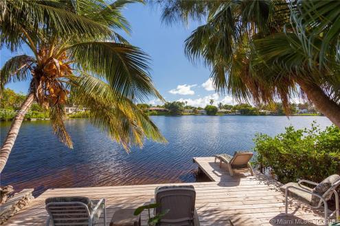 Дом класса люкс на продажу  Флорида, 360 м², 5 Спальни, 1399000€