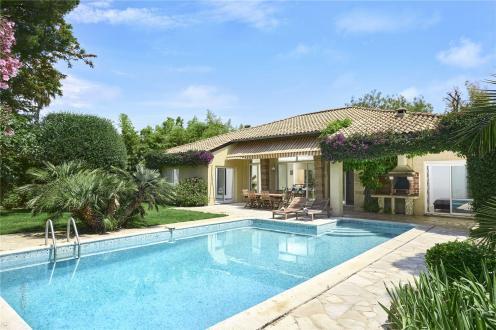 Maison de luxe à louer CAP D'ANTIBES, 160 m², 4 Chambres,