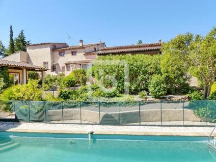 Proprietà di lusso in vendita FREJUS, 220 m², 5 Camere, 650000€