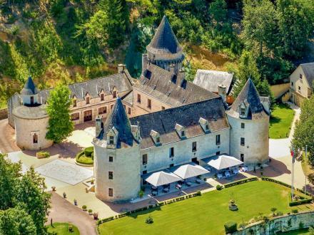 Château / Manoir de luxe à vendre CONDAT SUR VEZERE, 3180 m², 33 Chambres, 5770000€