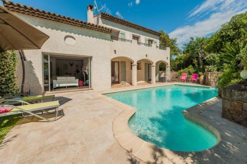 Villa di lusso in vendita SAINT RAPHAEL, 180 m², 4 Camere, 879000€