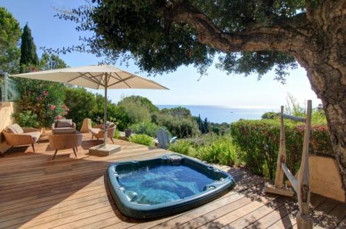 Maison de luxe à vendre LES ISSAMBRES, 180 m², 5 Chambres, 690000€
