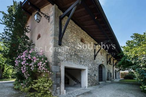 Farm de luxe à vendre SAINT CERGUES, 690 m², 7 Chambres, 1837500€