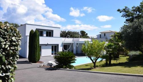 Casa di lusso in vendita SAINT RAPHAEL, 152 m², 3 Camere, 1265000€