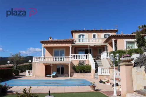 Casa di lusso in vendita FREJUS, 120 m², 4 Camere, 766000€