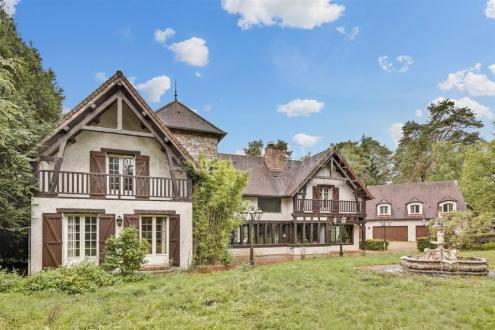 Luxe Huis te koop POIGNY LA FORET, 675 m², 9 Slaapkamers, 1650000€