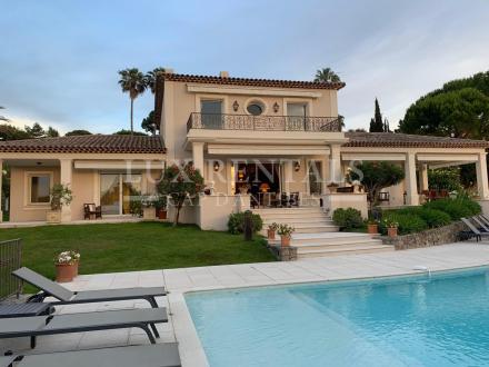 Casa di lusso in affito CAP D'ANTIBES, 330 m², 5 Camere,