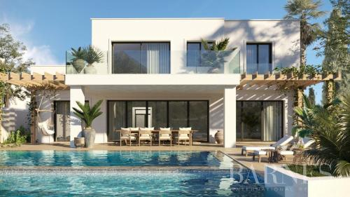 Вилла класса люкс на продажу  Испания, 786 м², 5 Спальни, 850000€