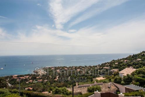 Villa de luxe à vendre LES ISSAMBRES, 180 m², 3 Chambres, 2200000€