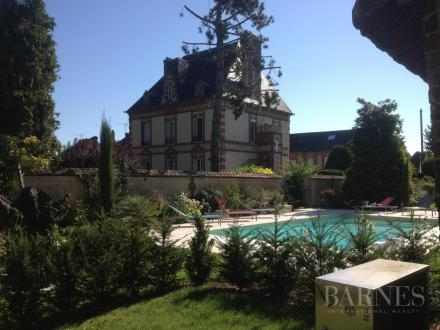 Luxury Town house for sale CONCHES EN OUCHE, 300 m², €710000