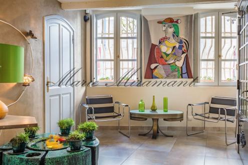 Luxus-Bürgerhaus zu verkaufen VILLENEUVE LES AVIGNON, 900 m², 3450000€