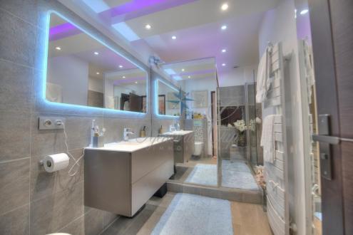 Appartamento di lusso in vendita FREJUS, 158 m², 3 Camere, 745000€