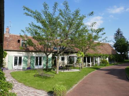 Поместье класса люкс на продажу  MONNAIE, 420 м², 6 Спальни, 595000€