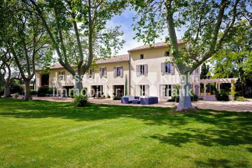Farm de luxe à vendre VERQUIERES, 680 m², 9 Chambres, 2890000€