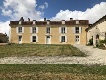 Château / Manoir de luxe à vendre SAINT MARTIAL VIVEYROL, 800 m², 7 Chambres, 1155000€