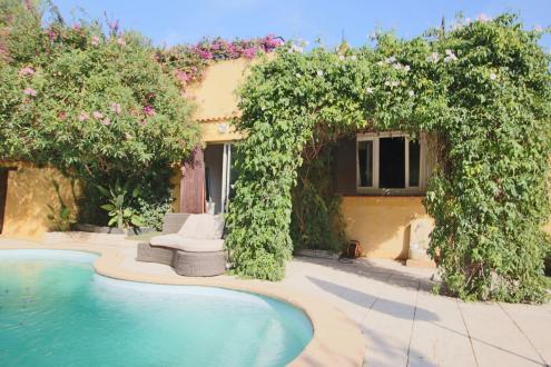 Villa di lusso in vendita SANARY SUR MER, 147 m², 4 Camere, 759000€