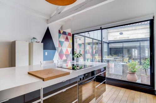 Дом класса люкс на продажу  Бордо, 215 м², 4 Спальни, 1260000€