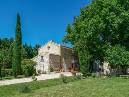 Luxury House for sale PERNES LES FONTAINES, 270 m², 5 Bedrooms, €840000