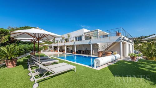 Casa di lusso in affito LES ISSAMBRES, 400 m², 5 Camere,