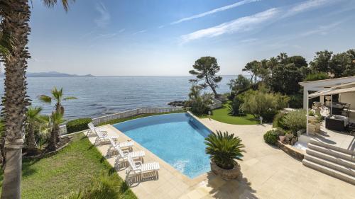 Luxus-Haus zu verkaufen SAINT AYGULF, 400 m², 8 Schlafzimmer, 4800000€