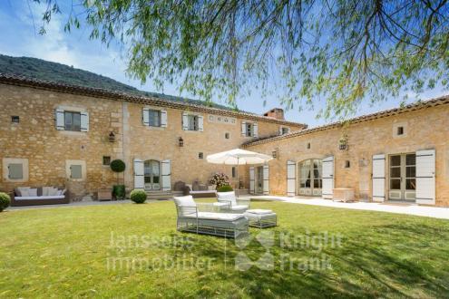 Luxe Farm te koop BONNIEUX, 493 m², 7 Slaapkamers, 4185000€