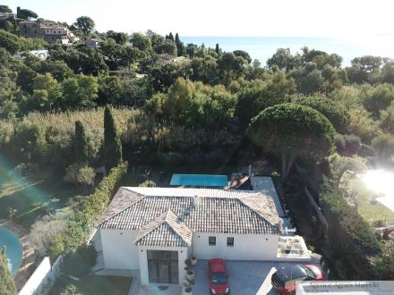 Luxury Property for sale LE LAVANDOU, 218 m², 4 Bedrooms, € 2 080 000