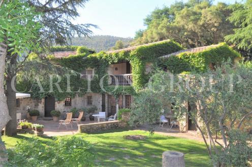 Propriété de luxe à vendre PLAN DE LA TOUR, 418 m², 8 Chambres, 2750000€