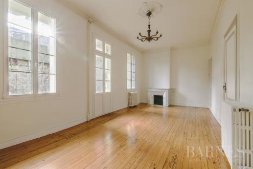 Дом класса люкс на продажу  Бордо, 234 м², 1050000€
