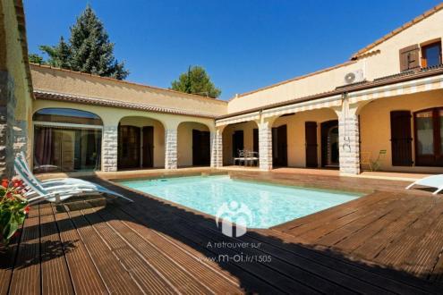 Maison de luxe à vendre GREOUX LES BAINS, 216 m², 5 Chambres, 545000€