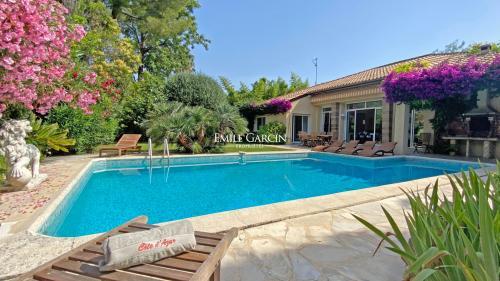 Luxus-Haus zu vermieten CAP D'ANTIBES, 180 m², 4 Schlafzimmer,