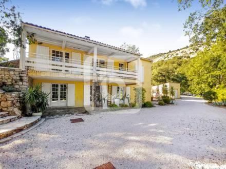 Villa de luxe à vendre PLAN DE LA TOUR, 168 m², 8 Chambres, 1750000€