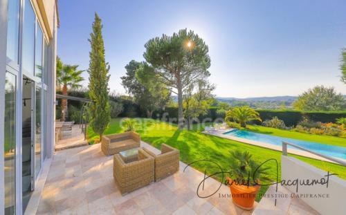 Maison de luxe à vendre GASSIN, 240 m², 5 Chambres, 2150000€