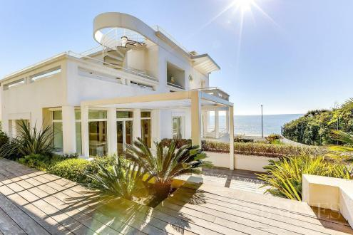 Luxury House for sale CAP D'ANTIBES, 232 m², 5 Bedrooms, €8500000